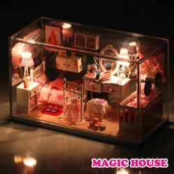 "Casuta ""  Magic House """