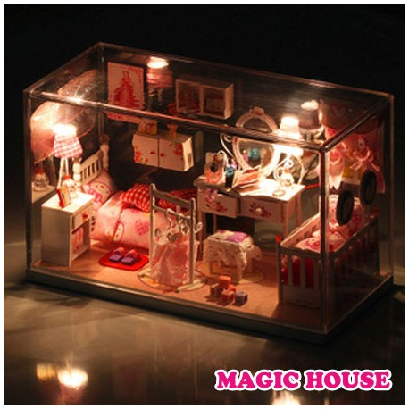 "Casuta ""  Magic House """
