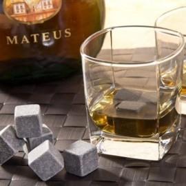 Cuburi de granit pentru whiskey