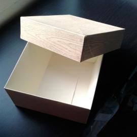 Подарочная коробка (09)